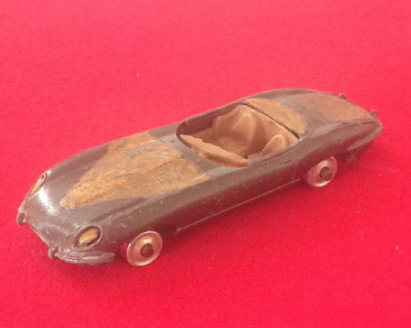 ORIGINAL CORGI TOYS 307 FOR RESTORATION E TYPE JAGUAR